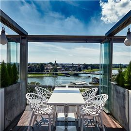 Roof Top Terrace & Lounge Bar